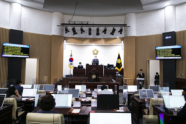 퍼스트신문  / 의회/행정/자치
